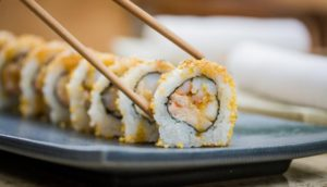 imagenes de platos de sushi scaled